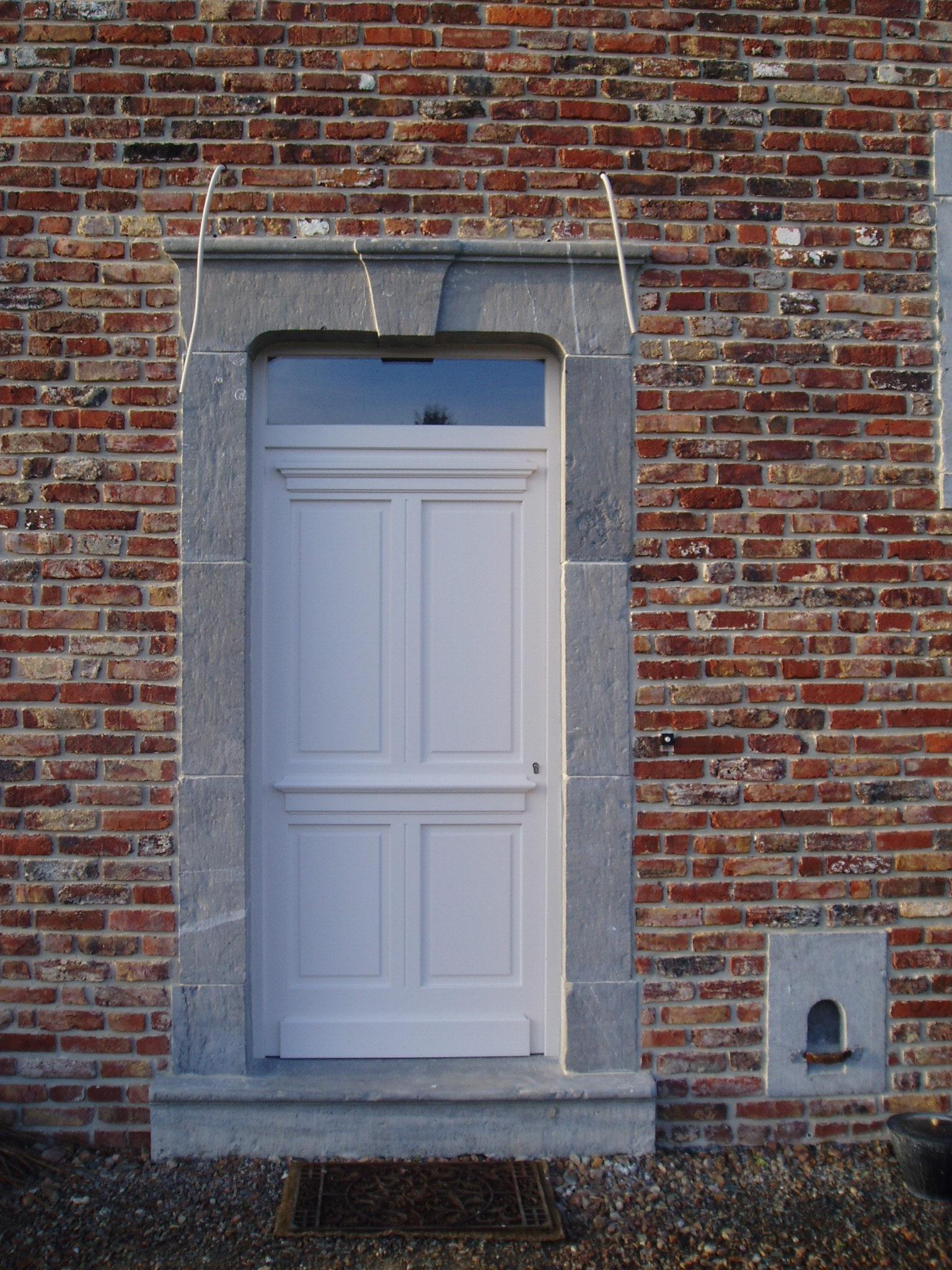 L ancestrale maison neuve cr ative architecture sprl for Exterieur vieille maison